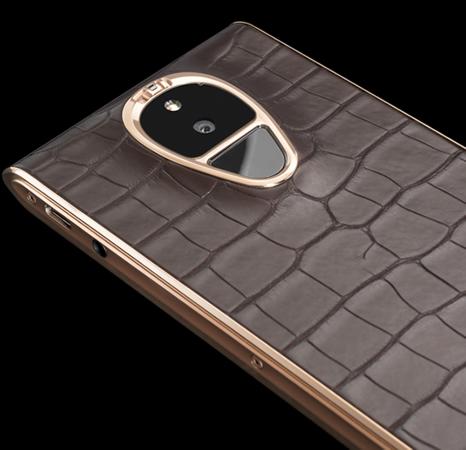 Smartphone Solarin fundo preto